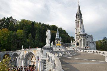 Gaztelueta: fin de semana en Lourdes, ayudando a los enfermos