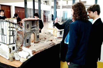 Gaztelueta: preparando Belenes en el Pabellón Central