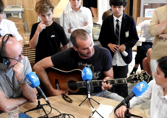 Antiguos Alumnos de Gaztelueta entrevistados en Radio Vinilo FM