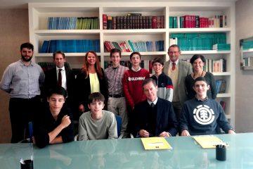 Alumnos del programa BTS Gaztelueta con el Notario Ramón Múgica