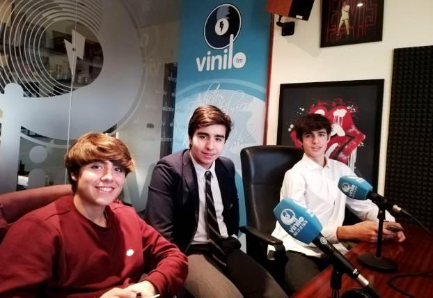 Alineación Indebida - Alumnos de Bachillerato Gaztelueta en Radio Vinilo FM