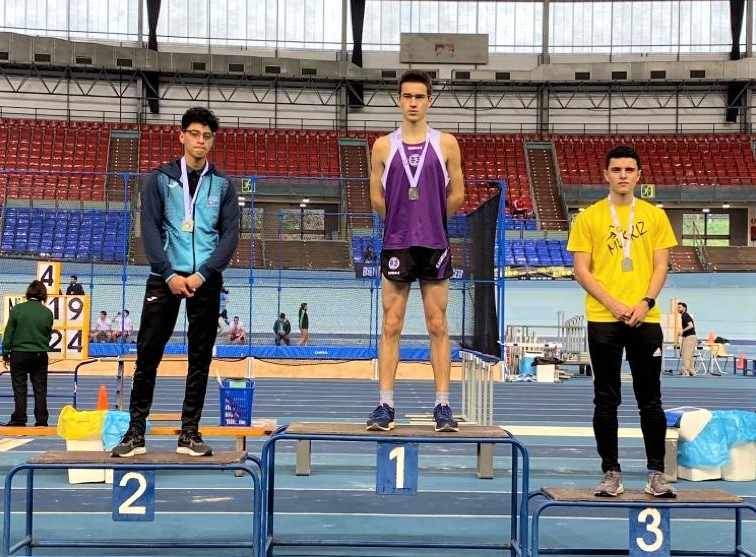 Juan Amann (1º Bachillerato Gaztelueta) Campeón de Euskadi 1500 m